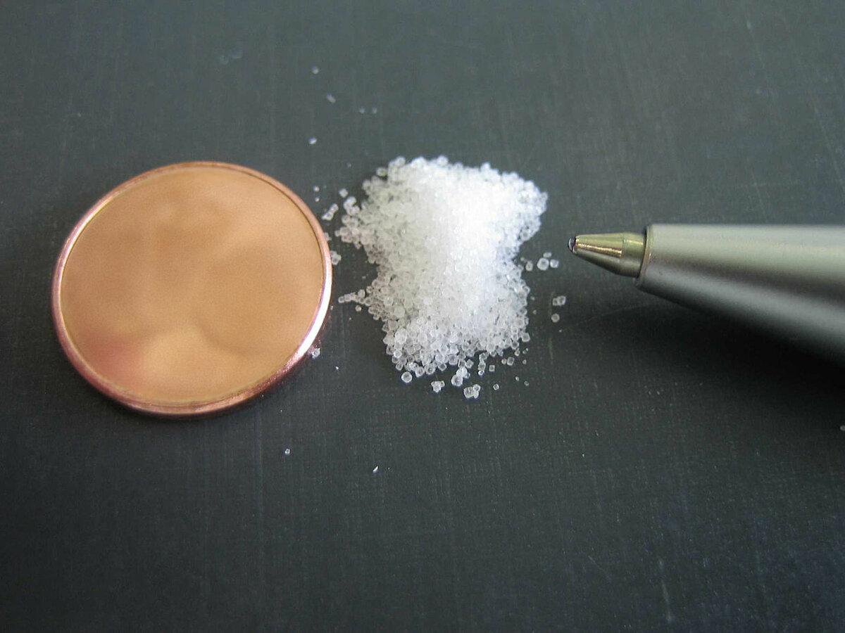 Люди вырабатывают цианид